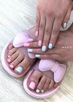 38 Adorable Toe Nail Designs For This Summer Pedicure NailArt! 2019 - Page 32 of 38 - lasdiest.com Daily Women Blog!