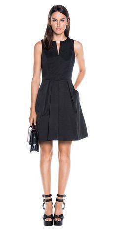 Discover the latest women's dresses from the new Cue collection. Shop our range of black dresses, evening dresses, floral dresses, casual dresses and… Casual Clothes, Casual Dresses, Casual Outfits, Dresses For Work, Cue Clothing, Young Professional Fashion, Corporate Wear, Dramatic Classic, Buy Dresses Online