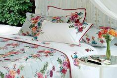 O jogo de cama Frida, da Kasatex (www.kasatex.com.br), é confeccionado em algodão 200 fios e o preço sugerido para o modelo casal (1,90 cm x 1,40 cm) é R$ 289,90 | Preços pesquisados em setembro de 2015 e sujeitos a alterações