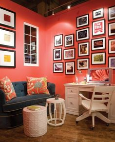 Trendy color 2019 Living Coral PANTONE is warm and tender, romantic, and energizing Coral Accent Walls, Coral Walls, Red Walls, Coral Living Rooms, Sweet Home, Suite Life, Live Coral, My New Room, Room Colors