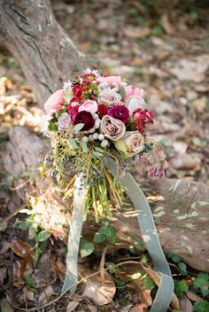 Autumn bridal bouquet | Christa Elyce Photography | see more on: http://burnettsboards.com/2014/09/americana-wedding-antlers/
