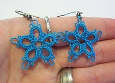 tatted turquoise flower earrings turquoise flowers by MamaTats