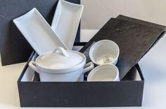 """Caja para #regalo, se pueden añadir cualquiera de nuestros #productos y #complementos de la exclusiva marca francesa """"Revol"""". Container, Tableware, Food, Christmas Gifts, Gift Boxes, French Nails, Products, Restaurants, Dinnerware"""