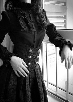 The New Victorian - modern victorian clothing Modern Victorian Fashion, Vintage Fashion, Modern Steampunk Fashion, Modern Goth, Gothic Mode, Gothic Lolita, Goth Victorien, Viktorianischer Steampunk, Steampunk Clothing