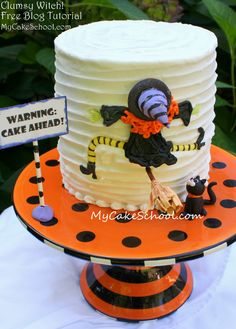 Clumsy+Witch-+Free+&+Easy+Blog+Tutorial-+MyCakeSchool.com!
