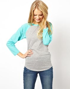 Stylist: baseball tees seem casual but fun! Modest Fashion, Girl Fashion, Womens Fashion, Baseball Tops, Baseball Cards, Passion For Fashion, Dress To Impress, Ideias Fashion, What To Wear