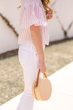 striped linen top (a lonestar state of southern) Spring Fashion Trends, Spring Summer Fashion, Spring Outfits, Spring Style, Bright Shorts, White Pants Outfit, Denim Jacket With Dress, Future Clothes, Warm Weather Outfits