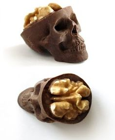 OMG!!! These chocolate skulls is way too cute! Working in radiology this is bad ass!