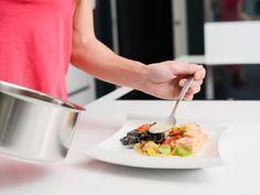Zahustit omáčku lze i zdravě bez bílé mouky - | Prostřeno.cz Agar, Ethnic Recipes, Food, Fitness, Essen, Meals, Yemek, Eten