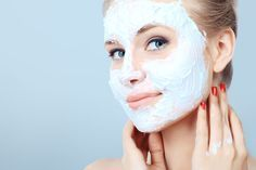 How to make homemade face masks, homemade facial cleanser, night cream and w… So make homemade face masks, homemade facial cleansers, night creams and … The Face, Facial Cleansers, Moisturizers, Natural Facial, Natural Skin, Natural Cures, Natural Beauty, Homemade Face Masks, Beauty Hacks Video