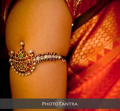 Armlet with pearls