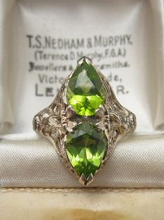 1920s Deco Peridot Filigree Ring - 14K Gold