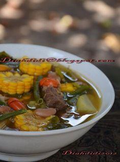 Diah Didi's Kitchen: Tips membuat sayur asem yang enak. Diah Didi Kitchen, Cooking Tips, Cooking Recipes, Indonesian Cuisine, Indonesian Recipes, Malay Food, Eat Happy, Asian Recipes, Ethnic Recipes