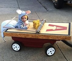 This little mouse is caught in a trap. | 19 Creative Costumes For Babies Who Are Too Young To Walk