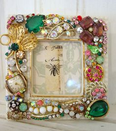 Original Ideas for Repurposing Vintage Jewelry – Livemaster Source by crafts Costume Jewelry Crafts, Vintage Jewelry Crafts, Recycled Jewelry, Antique Jewelry, Jewelry Frames, Jewelry Tree, Diy Jewelry, Jewelry Making, Beading Jewelry