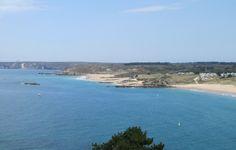 Aan de overkant de camperplaats direkt aan het strand.