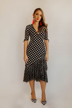 Fun, flirty and the perfect party dress. This wrap dress fits into the lower back and hugs the body in all the right places. The contrast polka dot frill and binding enhance the quirkiness of the dress. Perfect Party, No Frills, Hugs, Casual Wear, Contrast, Wrap Dress, Party Dress, Polka Dots, Short Sleeve Dresses
