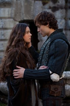 Hailee Steinfeld & Douglas Booth: 'Romeo & Juliet' First Look!: Photo Check out these first look stills of Hailee Steinfeld and Douglas Booth as the title characters in Romeo and Juliet! Juliet Movie, Romeo And Juliet, Douglas Booth Romeo, Story Inspiration, Character Inspiration, Narnia, Image Couple, Historischer Roman, Julian Fellowes