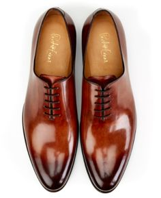 What are wholecut shoes? What are the pros and cons of this style? And are they suitable for any occasion and foot-size?