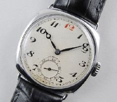 Wearing a vintage watch can be very stylish and this can also help you to flaunt your status in front of other people while you are in a party or in a meeting.