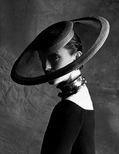 Yves Saint Laurent's Hiberno-French muse, Loulou de la Falaise