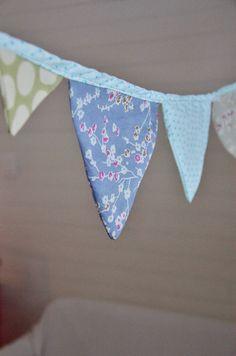fanions en tissus  http://blog-jardinsauvage.blogspot.fr/