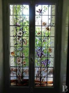 Perfect Bay Window Ideas For Beautiful House Painted Window Panes, Window Pane Art, Window Frames, Bay Window, Painting On Glass Windows, Glass Painting Designs, Stained Glass Windows, Vintage Windows, Old Windows