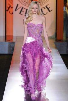 Atelier Versace | Fall/Winter 2012 Couture Collection via Donatella Versace | Modeled by ? | June 30, 2012; Paris | Style.com