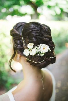 Super cute up do! Love the flowers :) Florence Italy // Elegant Italian wedding inspiration // Modern Vintage Weddings // Carter Nendrick Wedding & Event Planners Modern Vintage Weddings, Vintage Wedding Hair, Wedding Hair And Makeup, Rustic Italian Wedding, Tuscan Wedding, Italian Weddings, Wedding Event Planner, Wedding Events, Up Hairstyles