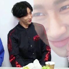 Read Taehyung from the story Kpop/Khip-hop Interracial Imagines by mirahmirahh (Mina Wang) with reads. Yugyeom, Youngjae, Got 7 Bambam, Meme Got7, Got7 Funny, K Meme, Me Too Meme, Jaebum, Namjoon