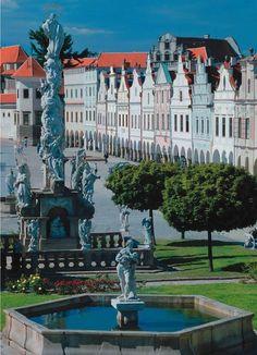 Rent Car in Prague - Car Prague Rental Agency - Travel tips Czech republic Wonderful Places, Great Places, Beautiful Places, Places Around The World, Travel Around The World, Cool Places To Visit, Places To Go, Prague Czech Republic, Eastern Europe