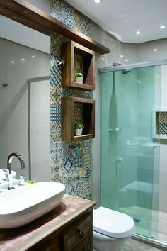 10 Delicious Cool Tips: Floating Shelf Hallway Foyers floating shelves design apartment therapy.How To Make Floating Shelves Half Baths floating shelves under tv basements.Floating Shelves Around Tv Tv Units. Floating Shelves Kitchen, Bathroom Shelves, Small Bathroom, Wooden Shelves, Shower Shelves, Mirror Bathroom, Bathroom Layout, Bathroom Interior, Bathroom Ideas