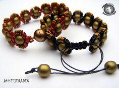 Akke Jonkhof-Netherlands  Dobble Beads, Superduo Beads by Matubo