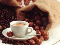 Nut Coffee:Miscela di arabiche 100% alla quale, a metà tostatura, vengono aggiunti aromi rigorosamente naturali di nocciola.  Gusto deciso di caffè con persistente retrogusto dell'aroma scelto.  Perfetto in ogni momento della giornata, il suo profumo pervaderà i vostri sensi!  $10