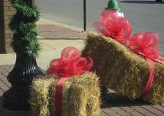 Repurpose your Autumn Bales of Hay - Decorate them as CHRISTMAS PRESENTS