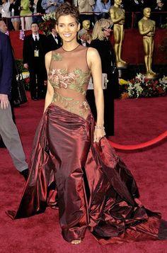 PACTAR CON EL DIABLO POR...: Los Vestidos de Oscar de Halle Berry