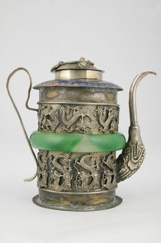 Teapot with Dragons