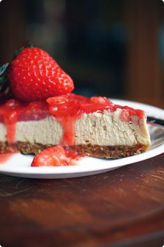 raw strawberry cheesecake  Ingredients Crust: 1 cup raw almonds (I only had roasted when I made this, and they were delicious too) 1 cup pitted dates 1/2 teaspoon sea salt Filling: 3 cups cashews (it may help to soak these for about 5 hours, especially if your blender isn't very powerful) 2 teaspoons …