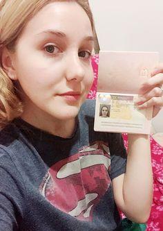 Driver License Online, Driver's License, Renewing Your Passport, Licence Test, Canadian Passport, Whatsapp Text, Passport Online, Uk Visa, Id Card Template