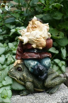 Laughter is our best medicine. This fellow laughs, and makes you smile. An excellent gift for the gnome and frog lover!