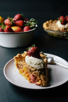 Mango Strawberry Pie with Coconut Crumb Topping |
