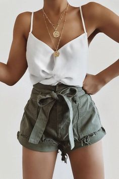 Trending Summer Outfits You Will Love Weekly Outfits insiders guide to cute casual summer outfits you can wear any day this season. - Trending Summer Outfits You Will Love Teen Fashion Outfits, Mode Outfits, Girly Outfits, Cute Casual Outfits, Look Fashion, Outfits For Teens, Pretty Outfits, Stylish Outfits, Weekly Outfits