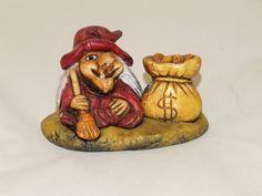 Bruja de la Suerte  del Dinero. Material empleado: Pasta cerámica. Pintado a mano. Precio: 6 € http://www.artesania-alla.es