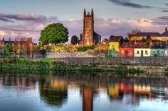 List of the best day trips from Dublin. Although Dublin is an amazing vacation destination in and of itself, the area around Dublin offers tourist attractions most sightseers don't want to miss. This list has them all, the greatest Dublin day trips anyone could ask for.