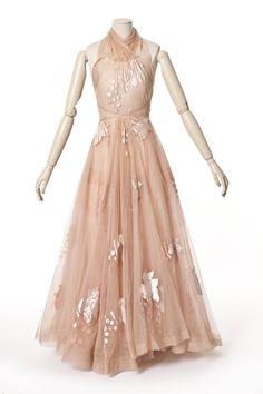 Madeleine Vionnet , maison de couture, 1938 robe   Les Arts décoratifs