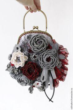 Женские сумки ручной работы. Ярмарка Мастеров - ручная работа Сумка женская. Лепестки красных роз. Handmade.