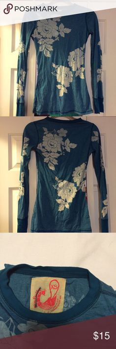 Free People Shirt Long sleeve blue and cream floral shirt. Very soft and comfy. Free People Tops Tees - Long Sleeve