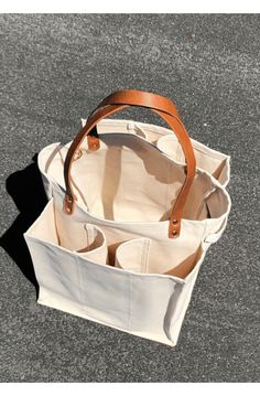 Sacs Tote Bags, Leather Tote Bags, Leather Totes, Leather Briefcase, Pink Leather, Wine Gift Baskets, Basket Gift, Sacs Design, Things To Buy