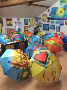 Parapluies d'art aux musée d'Anne Poiré et de Patrick Guallino