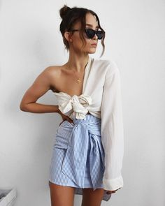 The outfit version of when you get too hot in bed and have to have one leg out 🌞 striped skirt from Style Outfits, Mode Outfits, Trendy Outfits, Summer Outfits, Fashion Outfits, Womens Fashion, Fashionable Outfits, Summer Shorts, Fashion Clothes